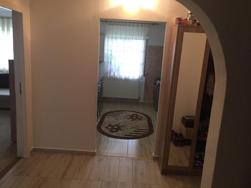 Apartament de vanzare, 3 camere Decomandat  CUG -13