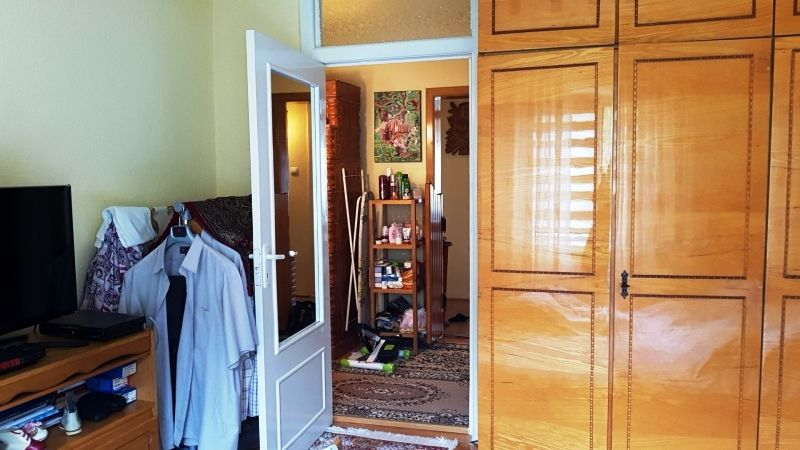 Apartament de vanzare 3 camere decomandat etaj 2 zona Lunei-6