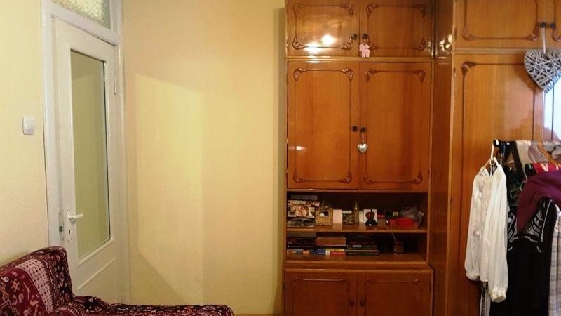 Apartament de vanzare 3 camere decomandat etaj 2 zona Lunei-9
