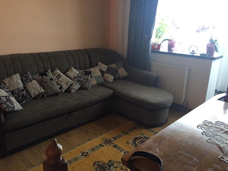 Apartament de vanzare, 3 camere Decomandat  Frumoasa -1