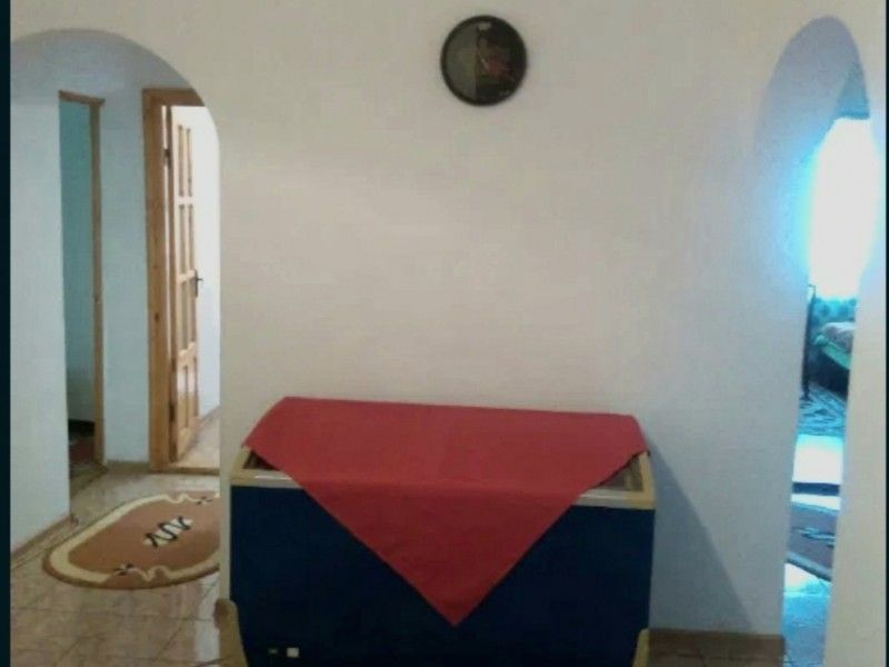 Apartament de vanzare, 3 camere Decomandat  Frumoasa -6