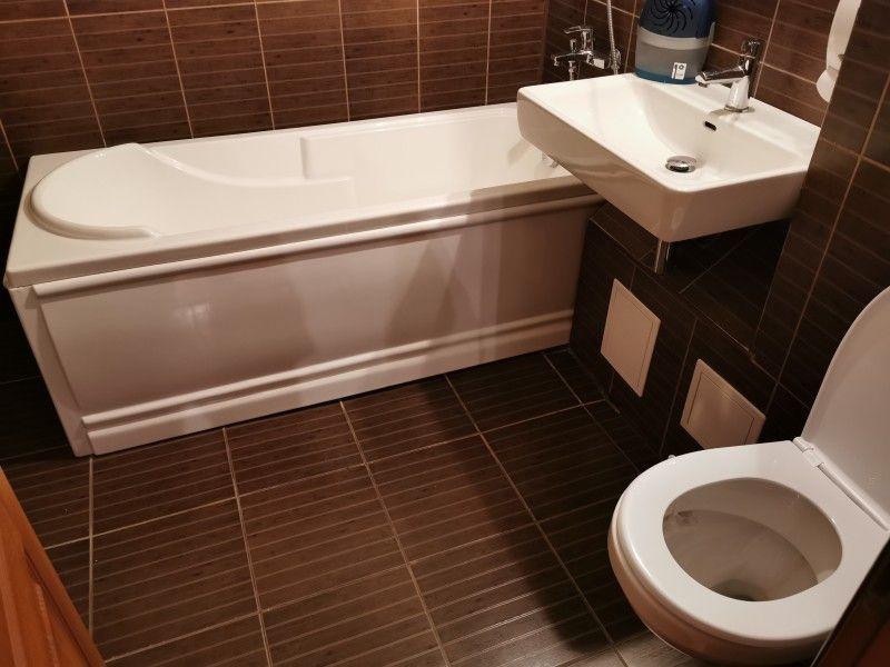 Apartament de vanzare, 3 camere Decomandat  Galata -5