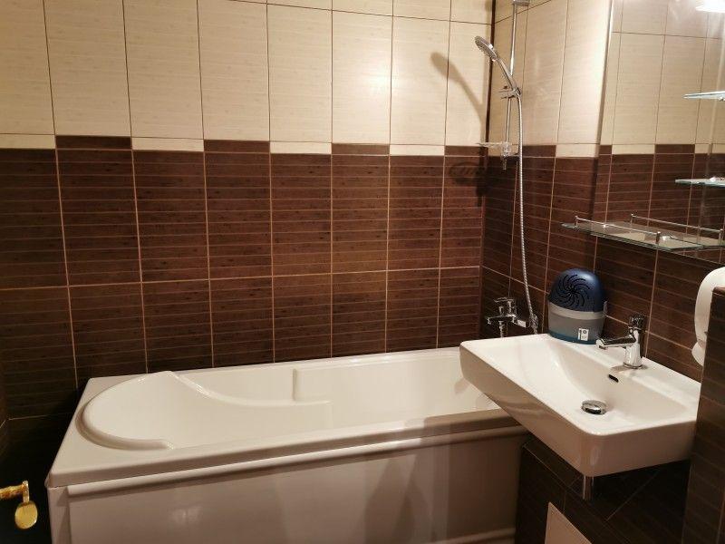 Apartament de vanzare, 3 camere Decomandat  Galata -6