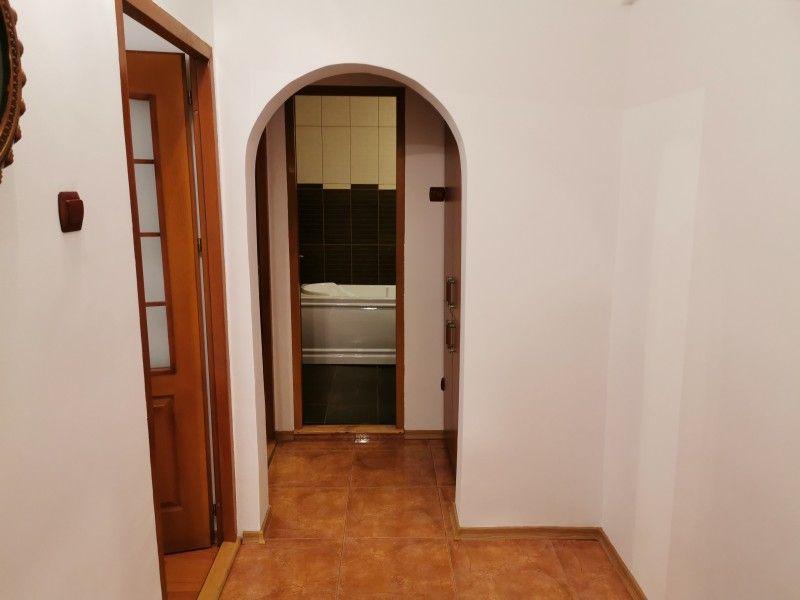 Apartament de vanzare, 3 camere Decomandat  Galata -7