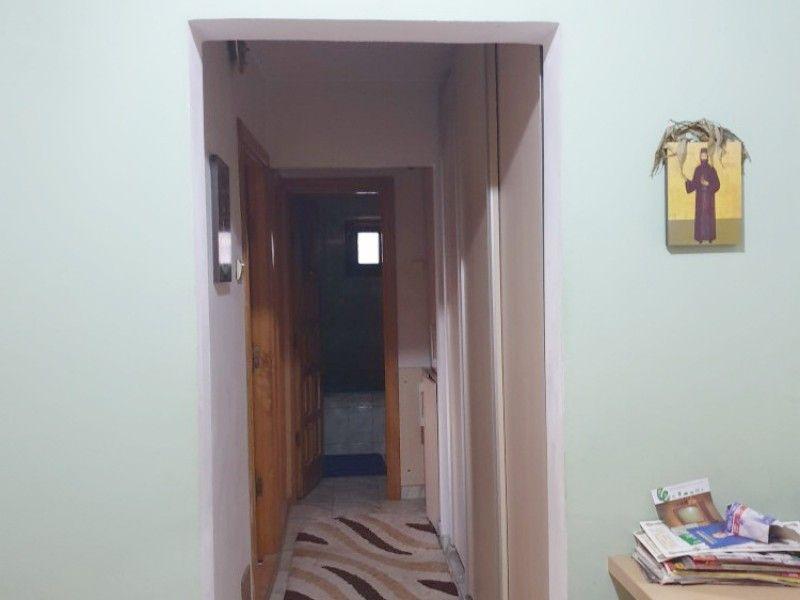 Apartament de vanzare, 3 camere Decomandat  Nicolina -6