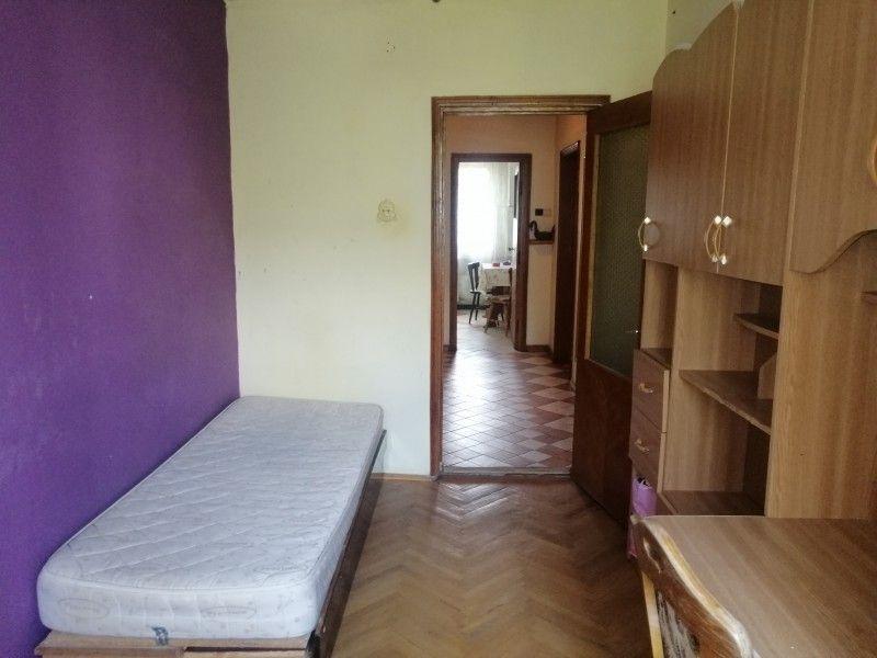 Apartament de vanzare, 3 camere Decomandat  Podu Ros -8