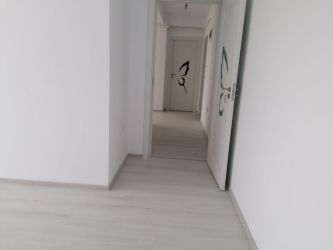 Apartament de vanzare, 3 camere Decomandat  Valea Lupului