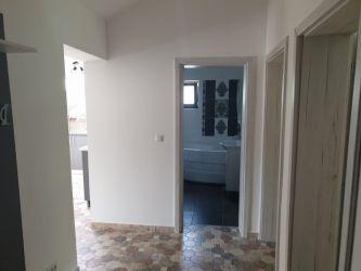 Apartament de vanzare, 3 camere Decomandat  Visani