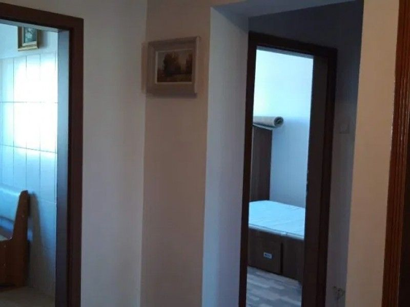 Apartament de vanzare, 3 camere   Podu Ros -3