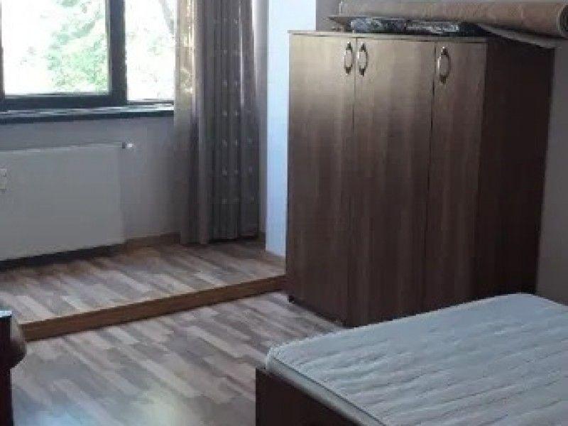 Apartament de vanzare, 3 camere   Podu Ros -5