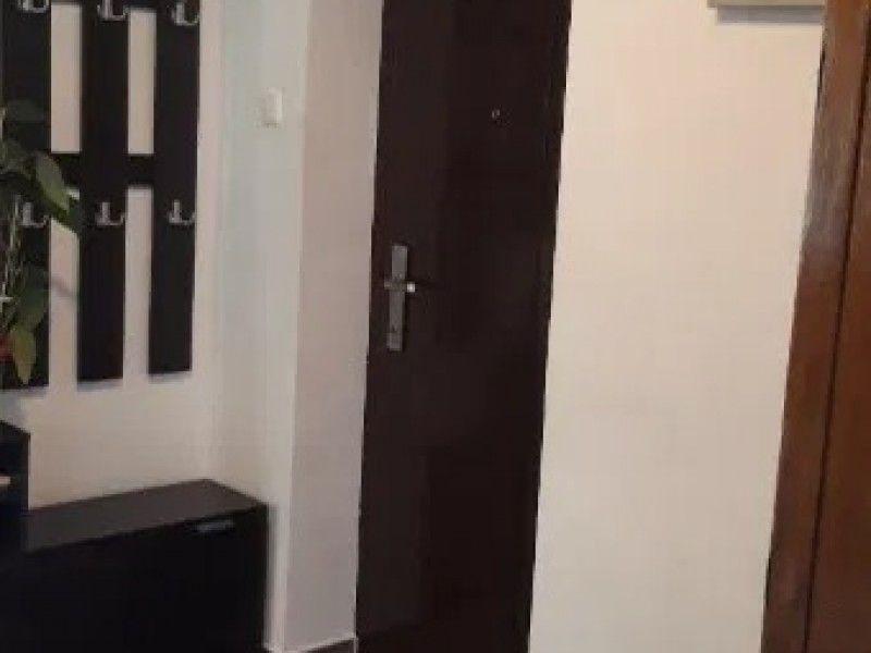 Apartament de vanzare, 3 camere   Podu Ros -7