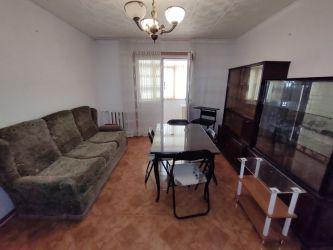 Apartament de vanzare, 3 camere Semidecomandat  Baza 3