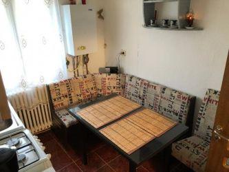 Apartament de vanzare, 3 camere Semidecomandat  Podu Ros