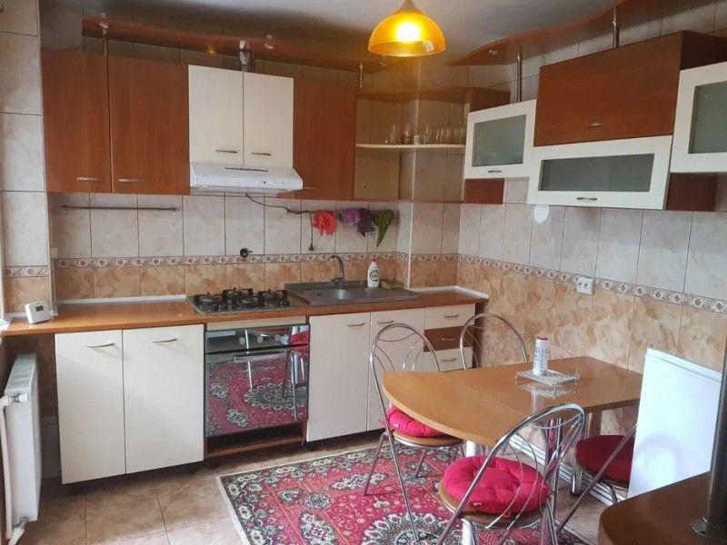 Apartament de vanzare, 3 camere Semidecomandat  Tatarasi -4
