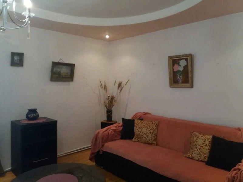 Apartament de vanzare, 3 camere Semidecomandat  Tatarasi -7