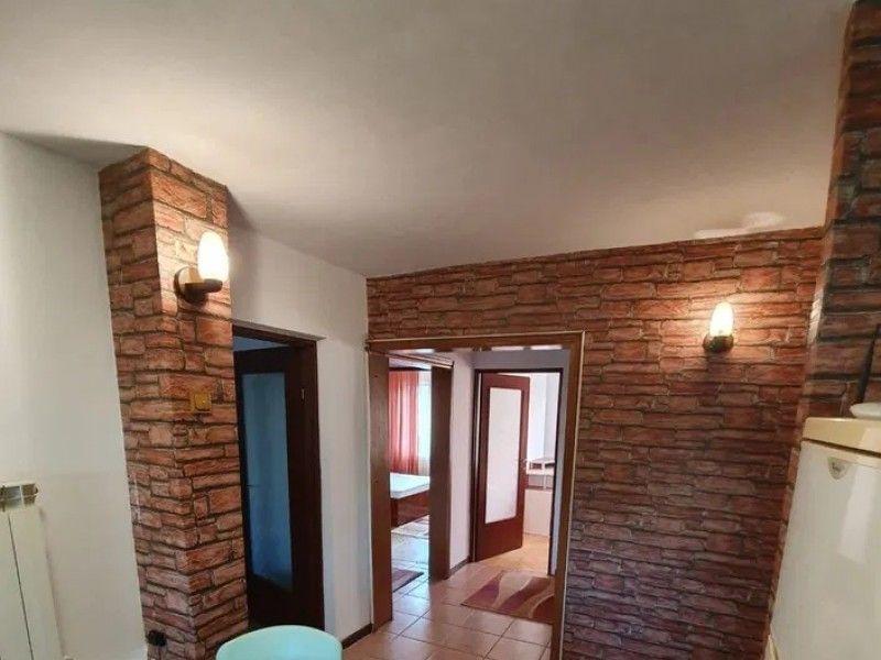 Apartament de vanzare, 4 camere Decomandat  CUG -5