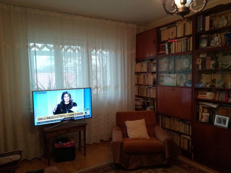 Apartament de vanzare, 4 camere Semidecomandat  Tatarasi -2