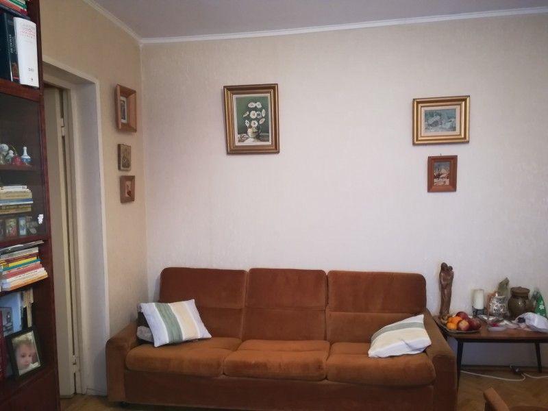 Apartament de vanzare, 4 camere Semidecomandat  Tatarasi -3
