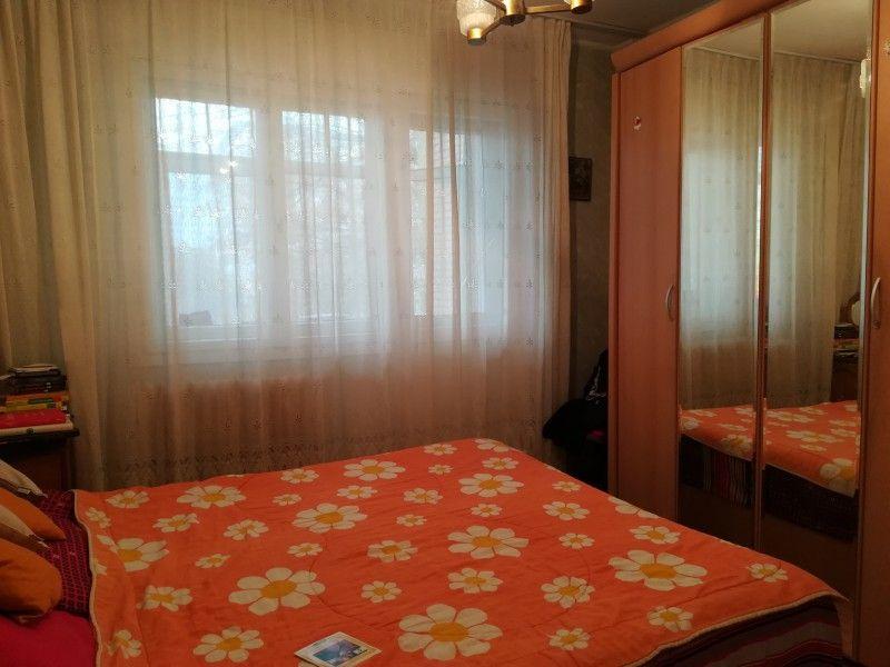 Apartament de vanzare, 4 camere Semidecomandat  Tatarasi -4