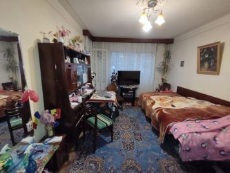 Apartament de vanzare, 68 camere Semidecomandat  Podu Ros