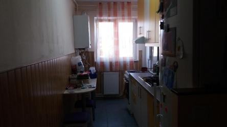 Apartament de vanzare cu 2 camere, confort I, semimobilat, etaj 9/10.