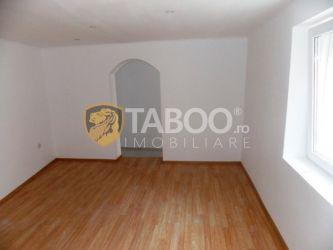 Apartament de vanzare cu 2 camere in Sibiu pe strada 9 Mai