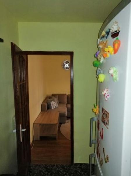 Apartament de vanzare cu 3 camere semidecomandat -4
