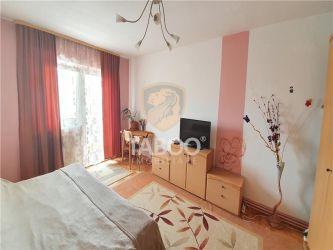 Apartament de vanzare cu 4 camere 2 bai 2 balcoane zona Valea Aurie