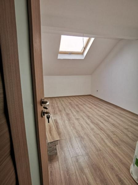 Apartament de vanzare la mansarda -2