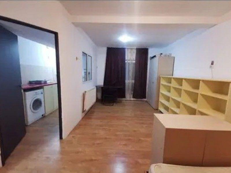 Apartament de vanzare, o camera   Baza 3 -1