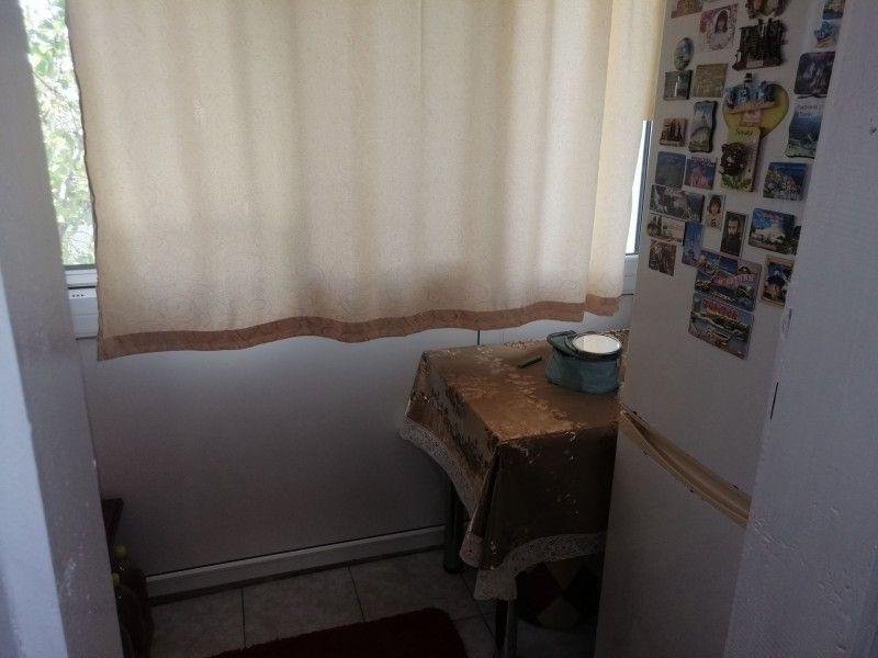 Apartament de vanzare, o camera Decomandat  Baza 3 -4