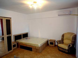 Apartament de vanzare, o camera Decomandat  Centru Civic