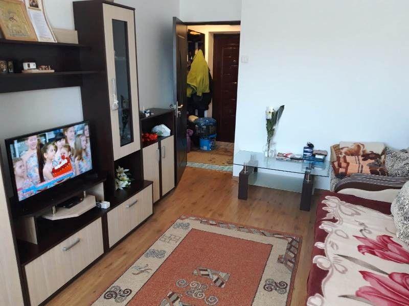 Apartament de vanzare, o camera Decomandat  Gara -2