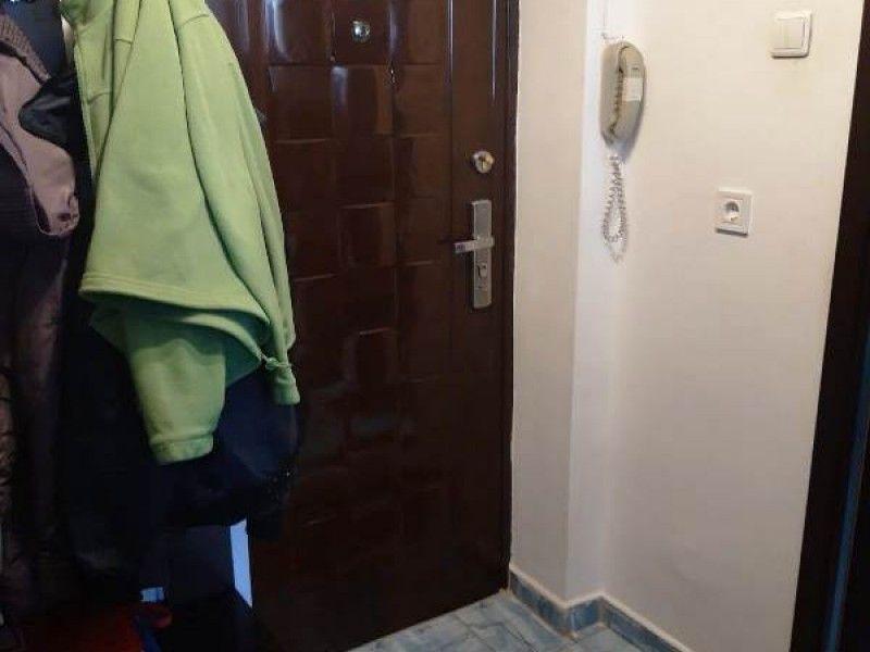 Apartament de vanzare, o camera Decomandat  Gara -5