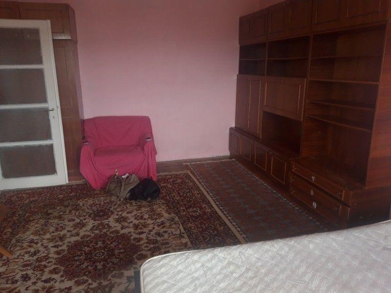Apartament de vanzare, o camera Decomandat  Pacurari -3