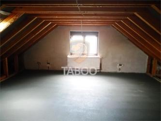 Apartament decomandat cu 2 camere gradina si loc de parcare Cisnadie