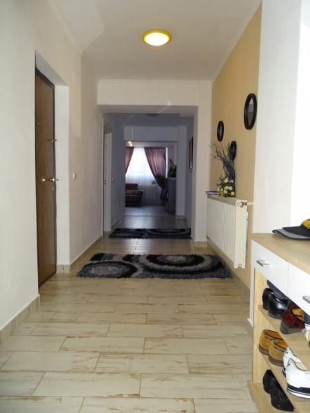 Apartament in Bucuresti de vanzare cu 3 camere la demisol-6