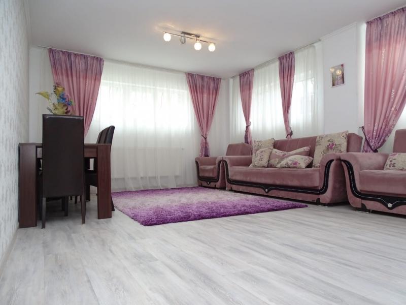 Apartament in Bucuresti de vanzare cu 3 camere la demisol-1