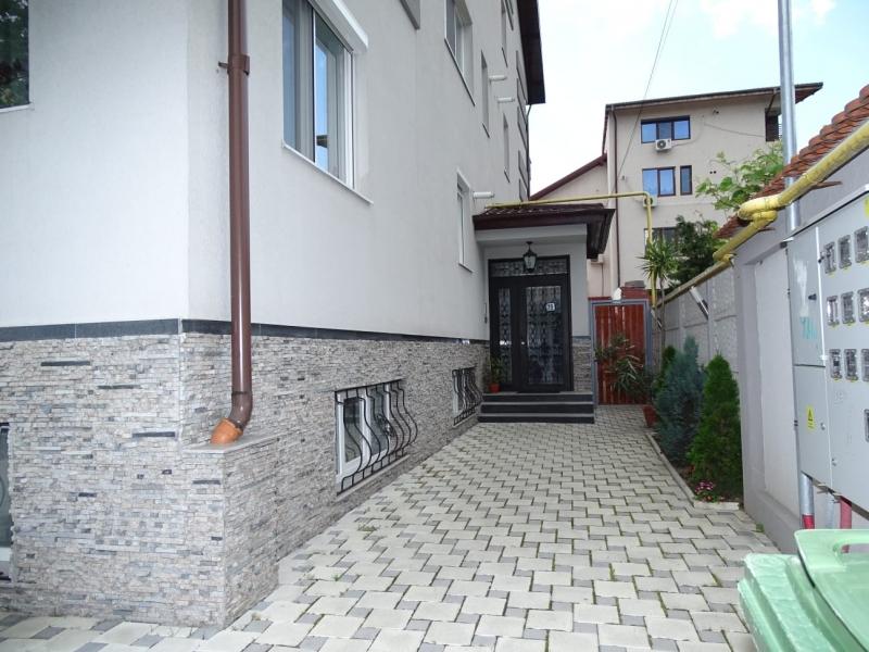 Apartament in Bucuresti de vanzare cu 3 camere la demisol-8