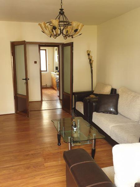 Apartament in Dragasani de vanzare cu 3 camere decomandat semimobilat-1