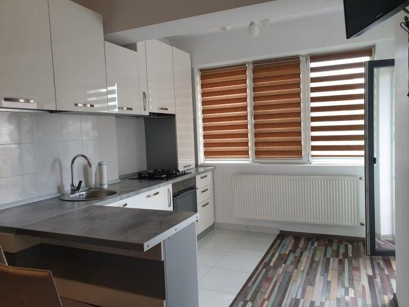 Apartament nou de inchiriat, 2 camere Semidecomandat  Centru Civic -1