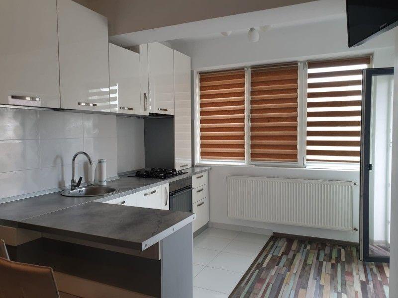 Apartament nou de inchiriat, 2 camere Semidecomandat  Centru Civic -5