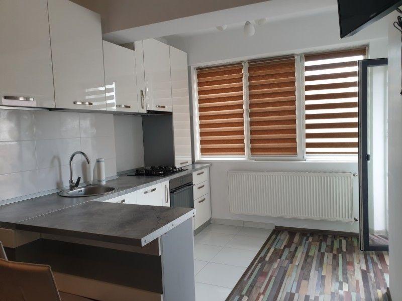 Apartament nou de inchiriat, 2 camere Semidecomandat  Centru Civic -3