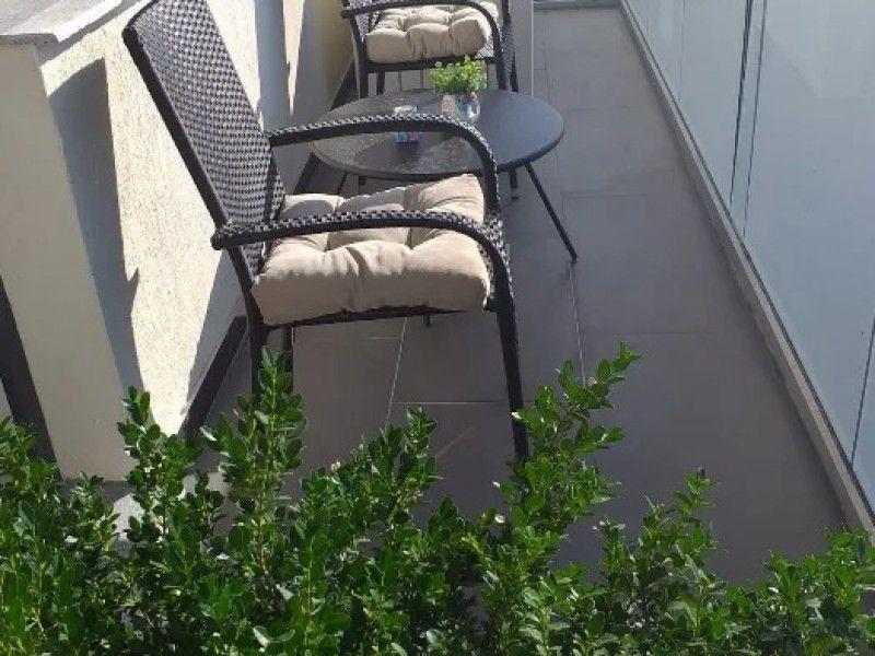 Apartament nou de inchiriat, 2 camere Semidecomandat  Nicolina -4