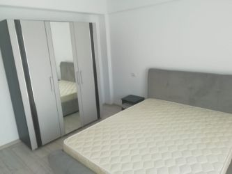 Apartament nou de inchiriat, o camera Decomandat  Podul de Fier