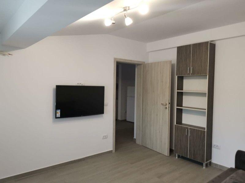 Apartament nou de inchiriat, o camera Decomandat  Podul de Fier -2