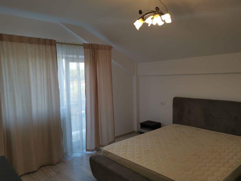 Apartament nou de inchiriat, o camera Decomandat  Podul de Fier -3