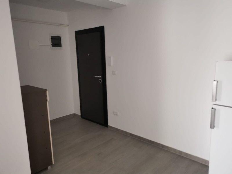 Apartament nou de inchiriat, o camera Decomandat  Podul de Fier -4