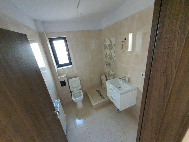 Apartament nou de vanzare, 2 camere Decomandat  Pacurari -5