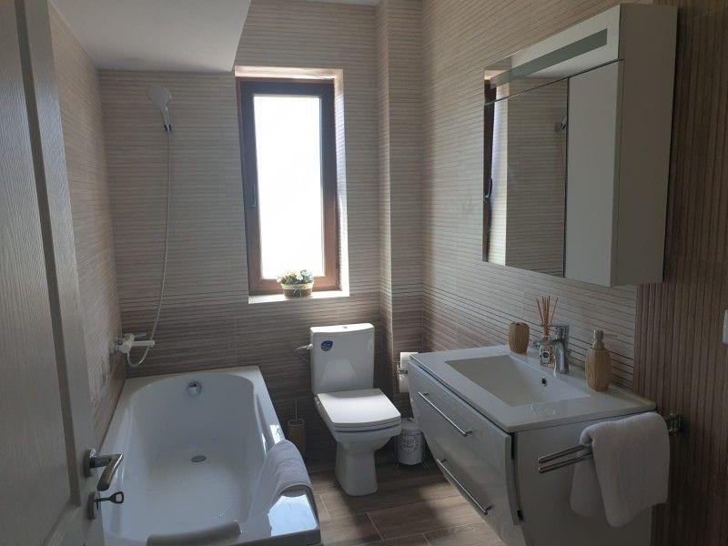 Apartament nou de vanzare, 3 camere Decomandat  Bucium -16
